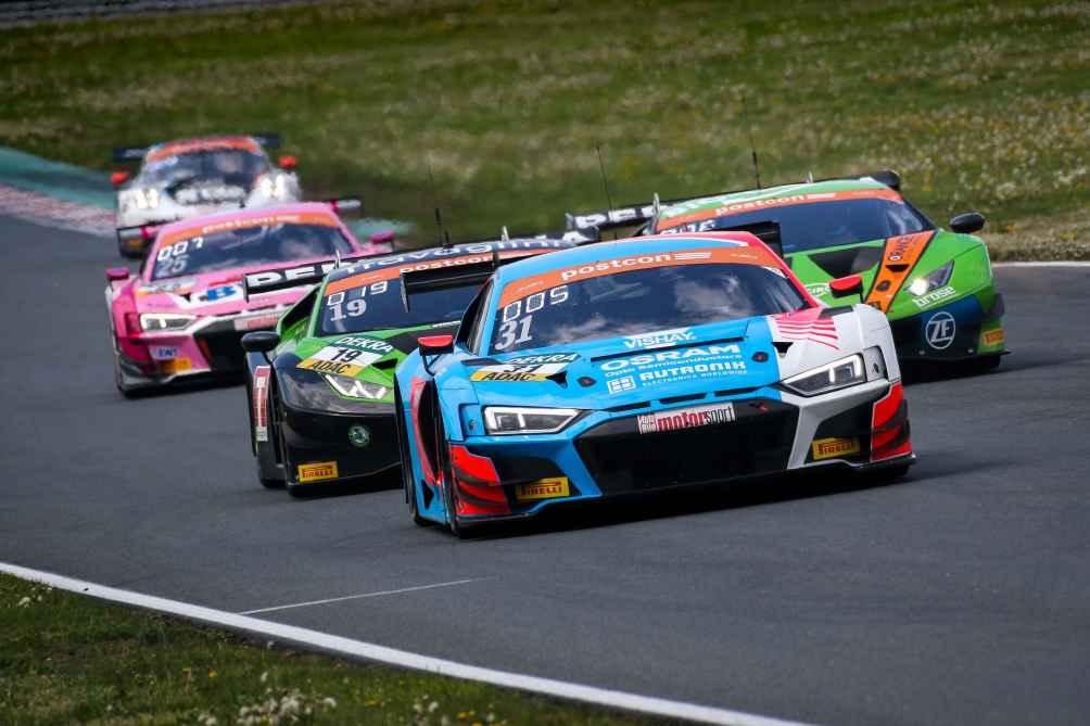Nach 3 Rennwochenenden stehen die Audi-Fahrer Niederhauser und van der Linde an der Tabellenspitze