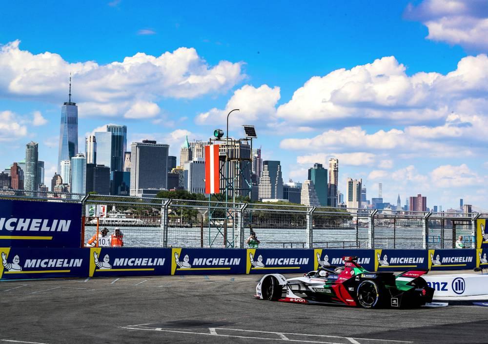 Erstes Rennen in New York voller Spannung und Dramatik