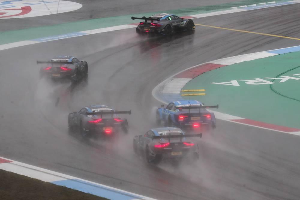 Schwieriges Regenrennen bei der Assen-Premiere des Aston Martin Vantage