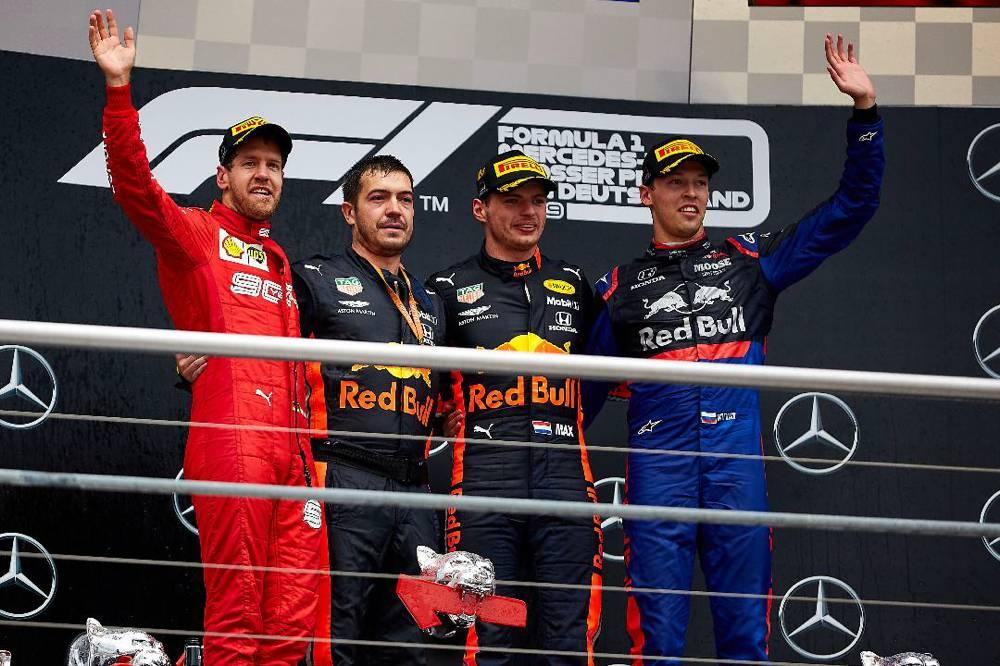 Verstappen gewinnt vor Vettel und Kvyat in Hockenheim