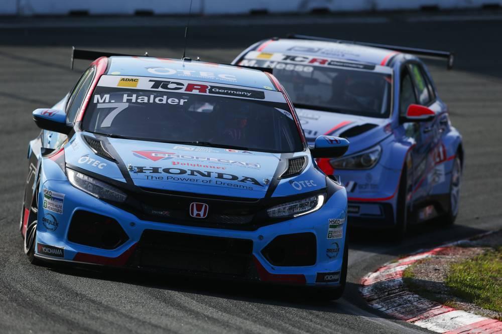 Honda-Pilot Mike Halder wird im Samstagsrennen von Zandvoort Zweiter