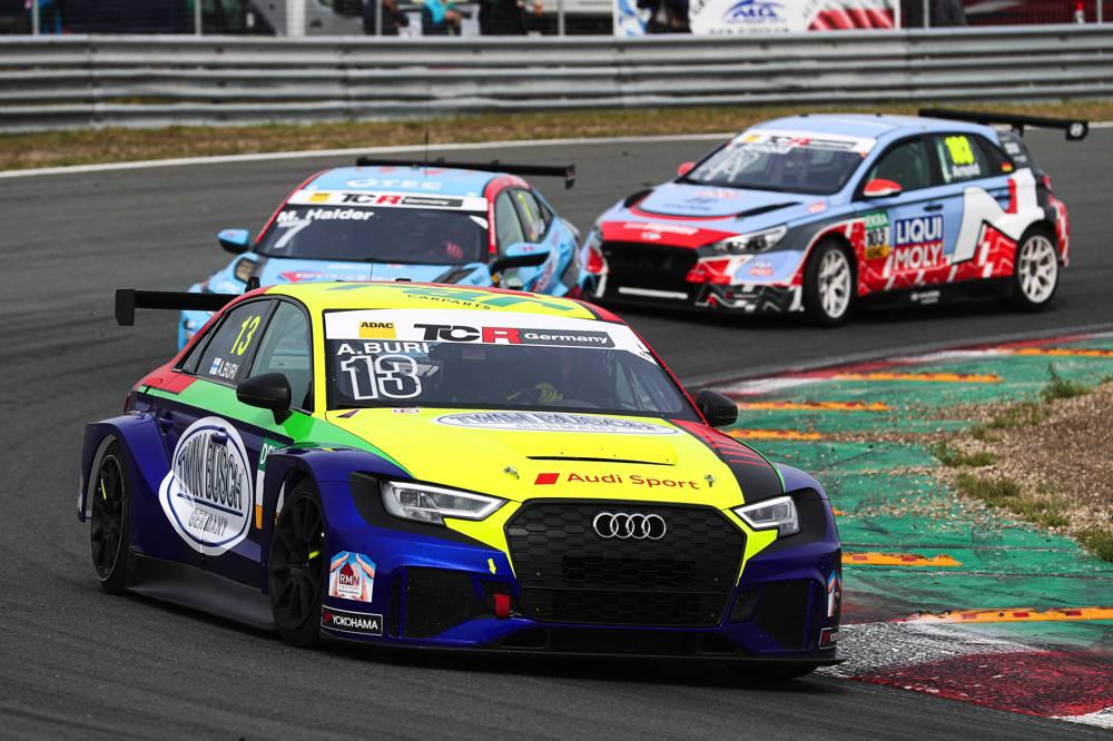 Audi-Pilot Antti Buri kommt als Tabellenführer zum Nürburgring