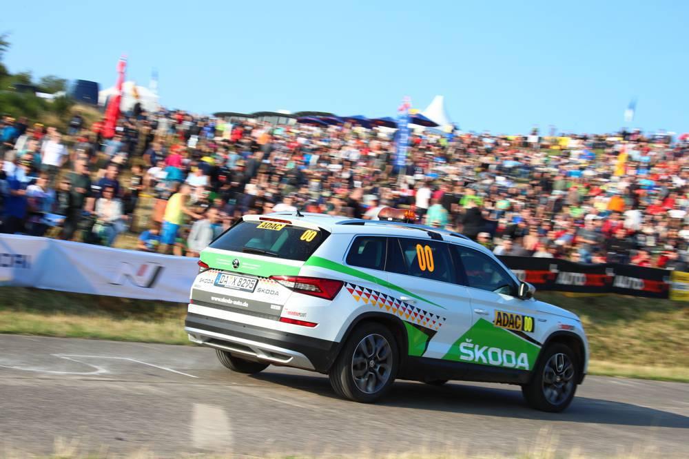 Škoda sorgt mit fünf sogenannten S-Wagen für zusätzliche Sicherheit beim deutschen WM-Lauf.