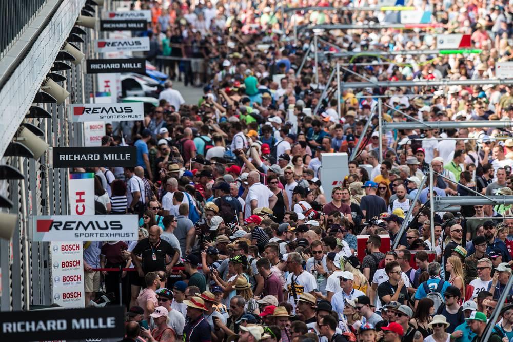 Aston Martin verpasst in einem packenden Rennen nur knapp die Punkte