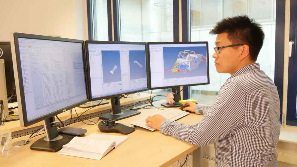 Datenerfassung mit Maßband, Track Logger und Video-Material