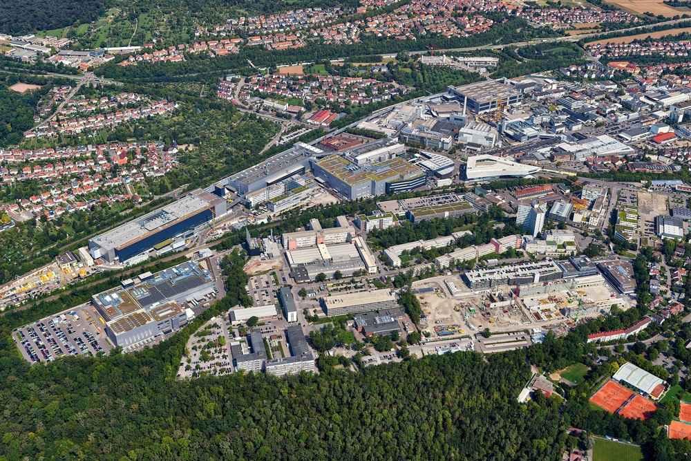 Fabrikeröffnung in Stuttgart-Zuffenhausen