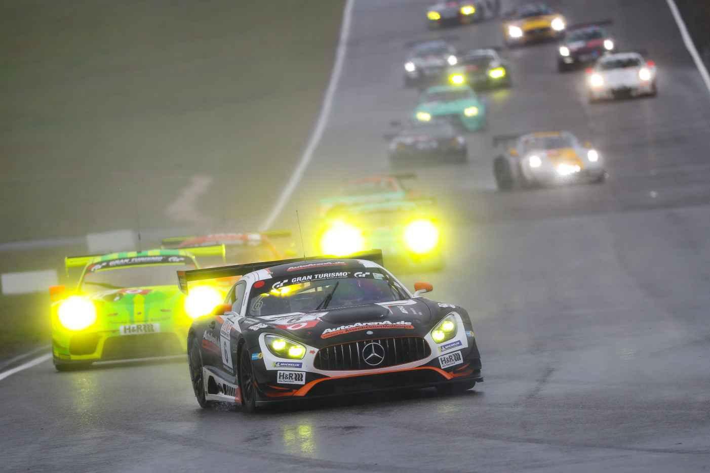 Mercedes-AMG Motorsport triumphiert zum dritten Mal in Folge auf dem Nürburgring