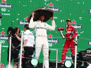 Formel 1 GP Mexico - Parc Ferme Interviews von Jenson Button