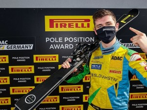 ADAC GT4 Germany: Pirelli Pole Position Award für William Tregurtha