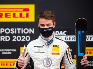 ADAC GT4 Germany: Phil Dörr gewinnt den Pirelli Pole Position Award