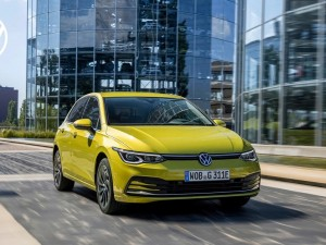 Volkswagen Doppelsieg: Neuer Golf und ID.3 erringen Klassensiege bei den German Car of the Year-Awards