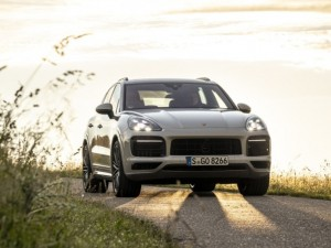Video News: Porsche baut den millionsten Cayenne